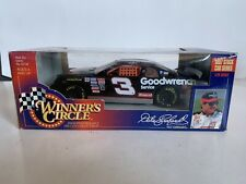 Dale Earnhardt Winner's Circle 1:24 Scale 1998 Goodwrench Race Car