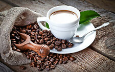 Incorniciato stampa-Tazza di caffè e un sacco di chicchi di caffè (PICTURE POSTER CUCINA)