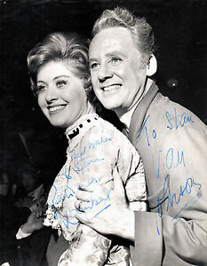 PATRICIA LAMBERT & VAN JOHNSON HAND SIGNED 10 X 8 B&W PHOTOGRAPH THE MUSIC MAN