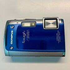 Olympus Tough TG-610 14.0MP Digital Waterproof Camera, Blue and charge cable