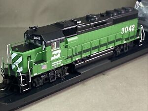 Atlas HO EMD GP40-2 Burlington Northern BN #3042 DC LED ATL10003472