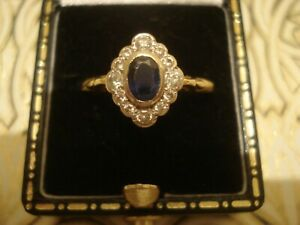 Beautiful & Finely Crafted 18CT Gold: Blue Sapphire & 12 Sparkling Diamonds Ring