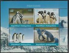 Madagascar 7689 - 2018 Pingouins Perf Feuille de 4 non Montés Excellent État