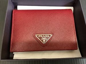Prada Red Ladies Wallet NEW W/out Tags Saffiano M204A Cerise
