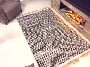 BLACK CREAM CHEVRON Geometric Handmade Cotton Jute Reversible Washable KILIM RUG
