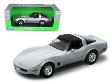 WELLY 1:18 1982 CHEVROLET CORVETTE HT Diecast Model Silver 12546W-SIL