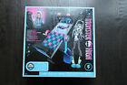 Monster High Frankie Stein Mirror Bed Playset. International Box. Sealed. New