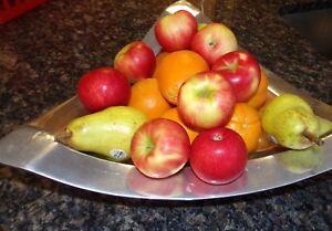 Sant' Andrea Oneida Triangular Stainless Steel 18/10 Lg Fruit Dish Bowl silver