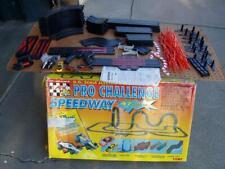 VINTAGE TOMY 1997 AFX PRO CHALLENGE SPEEDWAY HO SLOT CAR RACING SET DECENT COND