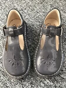 Clarks grey patent shoes size 6.5F