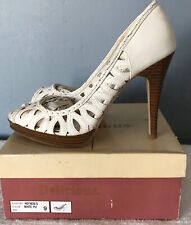 Delicious Antique White Woman' Peep Toe High Heel Size 9
