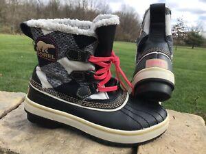 Women's size 6 SOREL waterproof snow boots