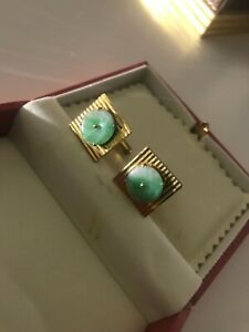 14k gold cuff links with pure jade disc