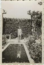 PHOTO ANCIENNE - VINTAGE SNAPSHOT - PISCINE JARDIN ENFANT REFLET - SWIMMING POOL