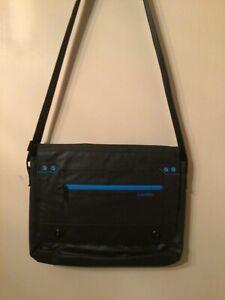 Altego Messenger bag, black with aqua trim
