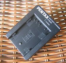 Genuine Original PENTAX D-BC90 D-Li90 Battery Charger for K5 K01 K-7 K52 645D