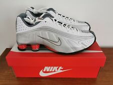 BNIB Nike Shox R4 In White, Silver & Red Trainers Size UK 8 * NEW * RRP £129.00