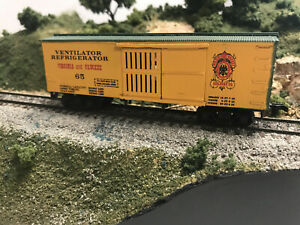 Roundhouse MDC HO Virigina & Truckee  36' Old Time Boxcar RTR W/KDS VT #65