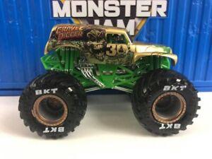 Monster Jam CUSTOM 30th ANNIVERSARY Gold Grave Digger Monster truck