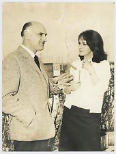 Lisa Gastoni con Robert Hoffman  Vintage silver print Tirage argentique  18x