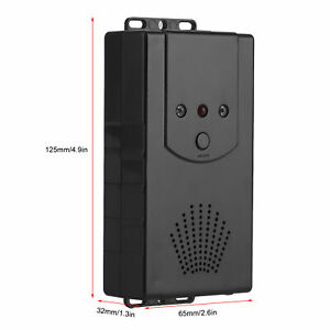 Car Animal Rodent Repeller Battery Smart Ultrasonic Pest Control With LED Light