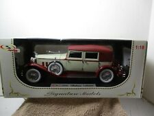 1:18 ~  DIECAST ~ SIGNATURE MODELS ~ 1930 PACKARD LEBARON ~ RED