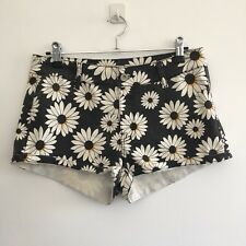 Ava & Ever Women's Shorts Size 10 Black White Daisy Pattern Cotton Polyester