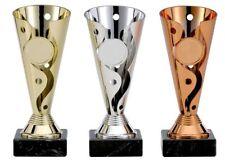 Kicker Pokal 3er-Serie mit Emblem Turnier Kids Trophäe Pokale mit Gravur (A100)