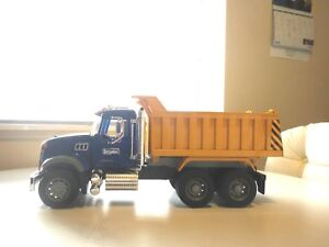 2007 BRUDER GRANITE DUMP TRUCK MADE IN GERMANY 20 1/2 x 7 1/4 x 9 INCHES TALL