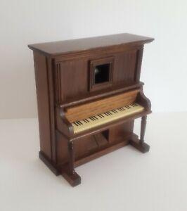 Schöne alte Spieluhr / Spieldose als Klavier gearbeitet um 1950