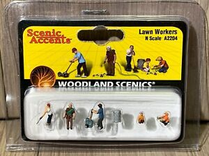 N Scale Woodland Scenics Lawn Workers A2204 Lawn Mower Kids Trash Can