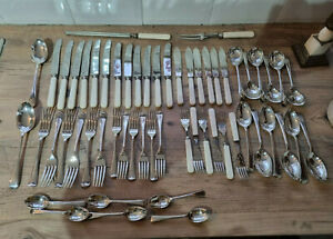 Good Vintage Silver Plated Garrard Silver Plated 6 Place Old English Cutlery Set