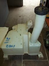2000 2001 2002 Lincoln LS Windshield Wiper Fluid Holding Tank Reservoir Assembly