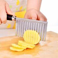 légumes la pomme de terre. chips créateur l'acier inoxydable coupe ondulée