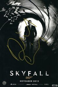 ORIGINAL DANIEL CRAIG/SKYFALL JAMES BOND 007 SIGNED 8 x 12 PHOTO PRINT