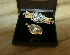 and Matching Style Pendant Striking Gold Tone Brooch