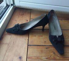 Peter Kaiser 38 5 Pumps Schuhe in schwarzem Leder Wildleder mit Schleife