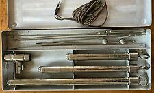 Ancien appareil médical //  médecine science cabinet curiosité instrument