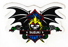 Skull & Bat alas Suzuki Sticker Motos