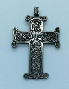 VINTAGE STERLING SILVER MALACCA ARTS CELTIC CROSS / CRUCIFIX PENDANT USA. 5.3g