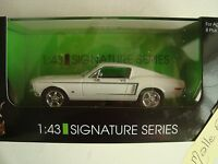 1968 FORD MUSTANG GT 2 + 2 FASBACK    1/43 LUCKY  BLANCHE SOUS PLEXI
