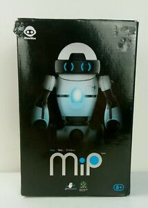 Voici Robotic - MIP Motion Control Robot - Black & White Toy.