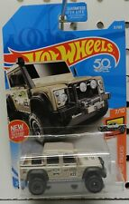 2015 15 LAND ROVER DOUBLE CAB DEFENDER TRUCK 4X4 31 7 TAN RACE HW HOT WHEELS