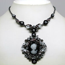 LOVELY FLOWER BLACK COLOR CAMEO CRYSTAL NECKLACE EARRINGS SET s0717