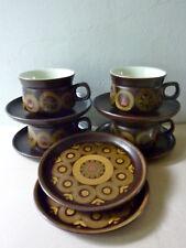 4 grandes tasses, 4 sous tasses et 2 assiettes, Denby England, vintage années 70