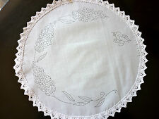 Embroidery freestyle Table Centre Embroider Lavender Bee flowers circle CSO101