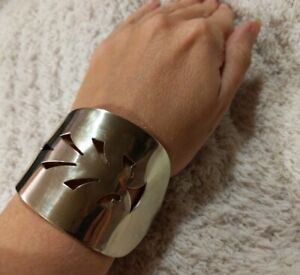 PIE/CAKE SERVER CUFF BRACELET * Rogers Silverware * Upcycled * Beautiful Antique