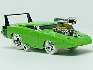 Muscle Machines '69 DODGE DAYTONA White Tire/RRs (Lime) N Mint/Loose 1/64 CHASE