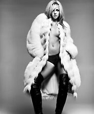 Britney Spears Unsigned 16x20 Photo (135)