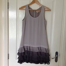 LADIES 'TEDBAKER' GREY TIERED SHORT ZIP DRESS.SIZE 8/ TED/1. GOOD CONDITION.